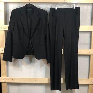 Preowned Bundle 1 set Blazer&Pants size: 8 & 4